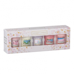 5 Votives - Yankee Candle Mother's Day Gift Set angled