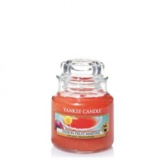 Passion Fruit Martini - Yankee Candle Small Jar