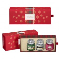 3 Small Jars - Yankee Candle Christmas Gift Set 2019 Candlemania open.jpg