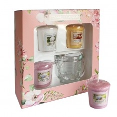 3 Votives And Candle Holder - Yankee Candle Gift Set SS20 angle