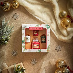 3 Votives And Small Jar - Yankee Candle Christmas Gift Set 2020 Candlemania Lifestyle