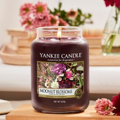 Moonlit Blossoms - Yankee Candle Large Jar lifestyle
