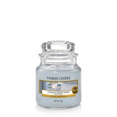 A Calm & Quiet Place - Yankee Candle Small Jar