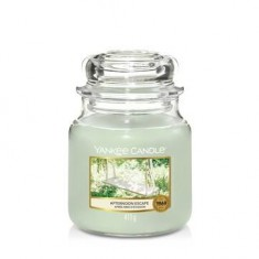 Afternoon Escape - Yankee Candle Medium Jar.jpg