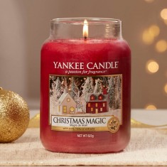 Christmas Magic - Yankee Candle Lifestyle