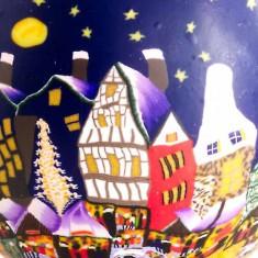 Christmas Market - Glowing Globe Glass Tea Light Candle Holder detail