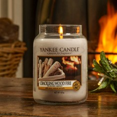 Crackling Wood Fire - Yankee Candle Lifestyle