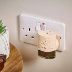 Electric Refil Plug In Base Beige - Yankee Candle lifestyle