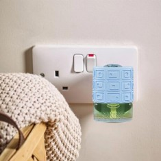 Electric Refill Plug In Base Blue - Yankee Candle lifestyle