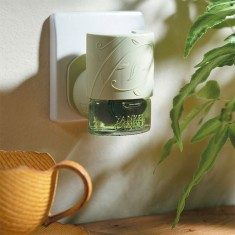 Electric Refill Plug In Base Ligt Green- Yankee Candle lifestyle