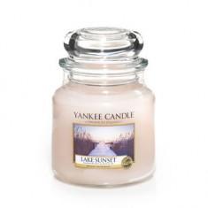 Lake Sunset - Yankee Candle Medium Jar