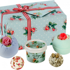 Petal Perfect Gift Set - Bath Bomb Cosmetics