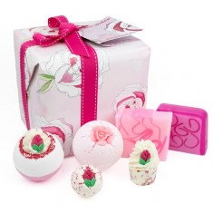 Rose Garden Gift Set - Bath Bomb Cosmetics