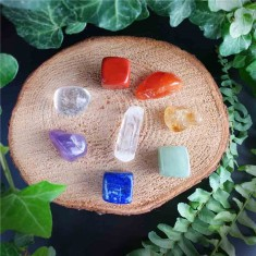 Seven Chakra 8pc Set Gemstones Healing Crystals flatlay