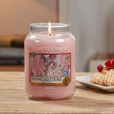 Snowflake Cookie Yankee Candle Lifestyle