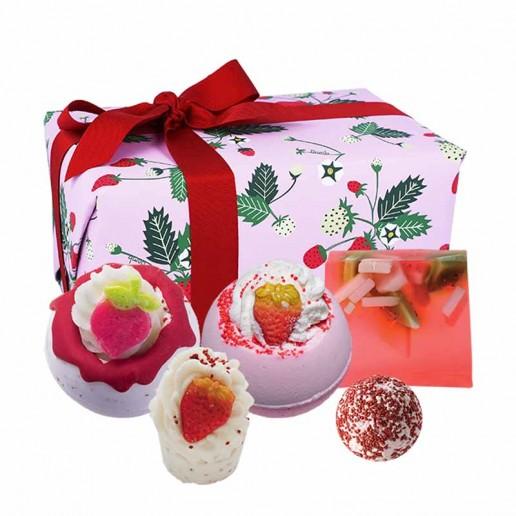 Strawberry Feels Forever Gift Set