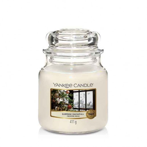 Surprise Snowfall - Yankee Candle Medium Jar